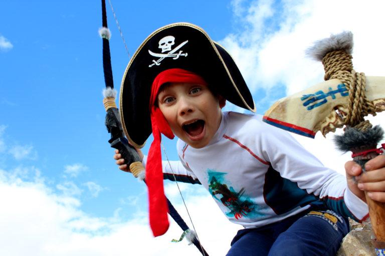 Рибенок пират